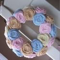 """Rózsakoszorú - """"Fagyi színek"""", 15 cm-es koszorú alapra készítettem rózsakoszo..."""