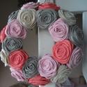 Rózsakoszorú Anitának, 15 cm-es alapra készített rózsakoszorú Anitán...