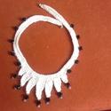 Holdfény horgolt nyaklánc, Ékszer, Nyaklánc, 100% pamut fonalból horgoltam ezt a nagyon dekoratív nyakláncot és diamant akril gyöngyökkel díszite..., Meska