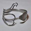 'Lovely Heart' - egyedi szív alakú villa karkötő (KK008), Anyák napja, Ékszer, Karkötő, Ékszerkészítés, Fémmegmunkálás, Fém villából készült karkötő egyedi, szív formájú kialakítással.  Súlya 0,04kg Átmérője nem fix  Ka..., Meska
