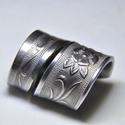 Csavart, virágmintás gyűrű (GY058), Csavart nemesacél virágmintás gyűrű, egyedi s...