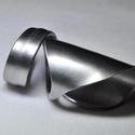 Nyújtott, letisztult fém gyűrű (GY101), Egyedi készítésű letisztult, elegáns fémgyű...