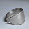 Elegáns ezüstözött fémgyűrű (GY209)