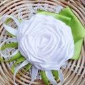 Kitűző vőlegénynek, örömapának, csuklódísz, alkalmi ruhadísz (No.5), Szatén szalagból és csipkéből készítettem a...