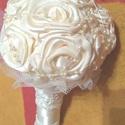 Esküvői/alkalmi csokor, Szaténszalag-rózsákból készült esküvői/alk...