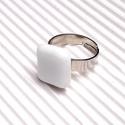 Ékszerüvegből készült gyűrű, Ékszer, Gyűrű,  Bullseye ékszerüvegből készítettem a gyűrűmedált olvasztásos technikával. A medál méret..., Meska