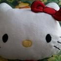 Hello Kitty párna, Otthon, lakberendezés, Lakástextil, Párna, Varrás, Egyedi készítésű párna. Anyaga polár. A masni 3D. Mérete: 30cm magas,   37cm széles. Töltet: Szilik..., Meska