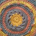Horgolt szőnyeg, Dekoráció, Otthon, lakberendezés, Lakástextil, Szőnyeg, Horgolás,  Különleges, az ősz jegyében és színeiből készült szőnyeg pólófonalból.  Kiválóan alkalmas az ágyun..., Meska