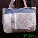 Szív-esen 2., Táska, Válltáska, oldaltáska, A bohém hangulatú táska különböző textilek kombinációjaként született. Egyedi textilkép díszíti, mel..., Meska