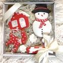 karácsonyi mézes, Egyéb, Kézzel készült mézeskalács A doboz mérete:14*14 cm A doboz 4 db mézeskalácsot tartalmaz, Meska