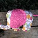 Elefánt textil figura - babajáték - elefántos babaszoba - minky elefánt - puha játék - figurapárna - elefántos, Baba-mama-gyerek, Játék, Baba játék, Plüssállat, rongyjáték, Aranyos kislány elefánt figura a legkisebbek számára, ami igazán babakezekbe való.  Olyan text..., Meska