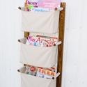 Fali tároló 3 rekeszes, világos drapp vászon rekeszekkel, Bútor, Otthon, lakberendezés, Polc, 3 rekeszes | Világos drapp színben |   A rekeszek ---------------- Anyaguk: vászon, színe világos dr..., Meska