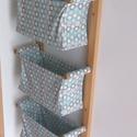 Textil tároló PRÉMIUM - Falra szerelhető - Gyönyörű designer tároló otthonodba - Előszobai, fürdőszobai tárolásra, Baba-mama-gyerek, Otthon, lakberendezés, Gyerekszoba, Tárolóeszköz - gyerekszobába, Ez egy jól kihasználható, falra szerelhető fali tároló fenyő, valamint csodaszép, designer pamut any..., Meska