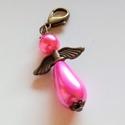 Pink angyalka kulcstartó, Ékszer, Mindenmás, Kulcstartó, Mobilékszer, A kulcstartót egy pink (rózsaszín) csepp alakú és egy hasonló színű gömb alakú tekla gyön..., Meska