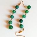 Emerald achát fülbevaló, Ékszer, Fülbevaló, A fülbevalót 8 mm-es matt zöld emerald achát ásványgyöngyökből készítettem. A gyöngyök különböző min..., Meska