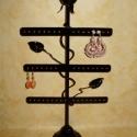 Rózsa kovácsoltvas jellegű ékszertartó., Otthon, lakberendezés, Ékszer, óra, Ékszertartó, Fémmegmunkálás, Megrendelhető a képen látható kovácsoltvas ékszertartó.  Méretei: Magasság    :  49cm  Szélessége  ..., Meska