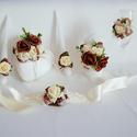 Egyedi, barna-krém-fehér esküvői szett: gyűrűpárna+gyertyaszett+csuklószalag, Esküvő, Esküvői dekoráció, Gyűrűpárna, Nászajándék, Virágkötés, Gyöngyfűzés, Fairy Forest esküvői kiegészítő szett: A szett 1 db gyűrűpárnából, 3 darabos gyertyaszettből, és a ..., Meska