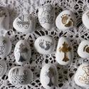 Keresztelő - egyedi, festett emlékkavicsok,  Fehérre, ezüstre és arany színűre alapozott ...