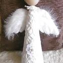 Horgolt angyalka - karácsonyfadísz, csúcsdísz, Horgolt ruhába bújtatott, gyöngyökkel ékesít...