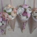 Vintage virágtölcsérek, örökcsokrok (4 db), Egyik kedvenc virágommal, az elbűvölő, vékony...