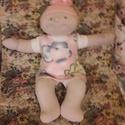 Középkék szemű Brigi baba, eredeti ruhában, Játék, Plüssállat, rongyjáték, Baba, babaház, Szia! Eredetileg Brigi baba vagyok, de Te adj nekem olyan nevet, amilyet szeretnél!   Kb. 40-43 cm ..., Meska