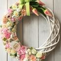 Tulipános tavaszi ajtódísz, Dekoráció, Otthon, lakberendezés, Ajtódísz, kopogtató, Virágkötés, 30 cm-es fonott koszorú alapra készített ajtódísz., Meska