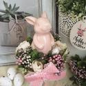 Nyuszis asztaldísz-rózsaszín, Otthon, lakberendezés, Asztaldísz, Virágkötés, Mérete: 10x20cm A virágok nem élőek., Meska