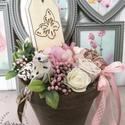 Tavaszi asztaldísz, Otthon, lakberendezés, Asztaldísz, Mérete: 20cm A virágok nem élőek., Meska