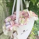 Ajándék táska , Otthon, lakberendezés, Anyák napja, Asztaldísz, Virágkötés, Nagyon szép virágkosár kiváló ajándék bármilyen alkalomra. Ballagásra, szülinapra, névnapra örök em..., Meska