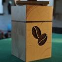 Kávés doboz, Dekoráció, Konyhafelszerelés, Fűszertartó, Famegmunkálás, Mindenmás, Kávés doboz, lézerrel vágott kávészem mintával. Az előlap két rétegű (különböző színű fákból készül..., Meska