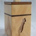Só/bors tartó doboz, Dekoráció, Konyhafelszerelés, Fűszertartó, Famegmunkálás, Mindenmás, Só/bors tartó doboz, lézerrel vágott mintával. Az előlap két rétegű (különböző színű fákból készült..., Meska