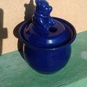 Micimackós mézes edény (kék), Otthon, lakberendezés, Dekoráció, Konyhafelszerelés, Kaspó, virágtartó, váza, korsó, cserép, Kézi korongon készült 980-fokon égetett, mázazott edény. Méret: 20 x 13 cm., Meska