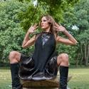 Fekete mohair ruha, Ruha, divat, cipő, Női ruha, Ruha, Varrás, A-vonalú fekete ujjatlan ruha. A ruha alját lakkból készült fodor díszíti. Ugyanebből a lakkból app..., Meska