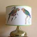 Art déco réz lámpa papagájos lámpabúrával eladó, Otthon, lakberendezés, Lámpa, Asztali lámpa, Hangulatlámpa, Egyedi lámpabúra asztali  lámpához.   fémvázon polifánon (pvc), külseje papír, a  szélek b..., Meska