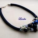 Kék-fehér gyöngy nyakék, Ékszer, Nyaklánc, Nagyon harmonikus kék-fehér gyöngy nyakék 8mm-es zsinóron, delfinkapoccsal záródik. Hossza: 42cm ..., Meska