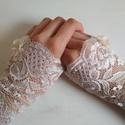 """""""Chiara"""" - csipkés kesztyű , Esküvő, Hajdísz, ruhadísz, Menyasszonyi ruha, Varrás, Egy igazán elegáns menyasszony elképzelhetetlen kesztyű nélkül!   Finom csipkéből varrtuk, saját ké..., Meska"""