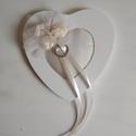 """""""Cuore"""" -  különleges kialakítású rózsás-tüllös gyűrűpárna , Esküvő, Gyűrűpárna, Esküvői dekoráció, Mindenmás, A rózsa az egyik kedvenc díszítőelemünk. Merta végtelenül romantikus.  Mi mást is tehettünk volna e..., Meska"""