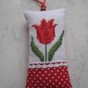 Tavaszi dísz, A tulipán a tavasz kedvenc virága,színes szirma...