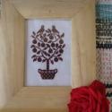 Falikép madárral, A színátmenetes fonallal hímzett kép natúr fa...