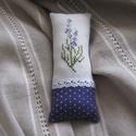 Levendulás illatpárna, Otthon, lakberendezés, A motívum keresztszemes hímzéssel készült,majd textillel kombinálva párnácskát varrtam belőle,amit p..., Meska
