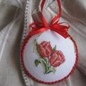 Tavaszi dísz, Dekoráció, Dísz, A motívum keresztszemes hímzéssel készült. A hímzést hungarocellalapra tettem; hátuljára színben har..., Meska
