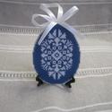 Húsvéti tojás, Húsvéti díszek, Különleges hímzett tojás, keresztszemes hímzéssel készült; hátoldalán filc van.  Akasztható dísz,a l..., Meska