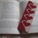 Szíves könyvjelző, Naptár, képeslap, album, Könyvjelző, Az olvasás meghitt élmény,a könyv szent dolog - szerintem. Megérdemli tehát,hogy ne egy cetlit tegyü..., Meska