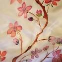 Cseresznyevirágos sál, A sál közepén cseresznyefa virágai futnak vég...