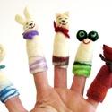 """""""vidám csapat -nemez ujjbáb, szorongató, Dekoráció, Játék, Báb, Nemezelés, Varrás, ...Merthogy a kisgyerekek (is) imádják a kezükben szorongatni ezt a kis pihe-puha, meleg játékot; l..., Meska"""