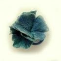 kékes nemezvirág hajgumi, Ékszer, Bross, kitűző, Nemezelés, Varrás, Három virágból álló kis csokrocska a hajban:-). Ezúttal türkiz-zöld színben:-). Van több színben is..., Meska