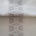 Tulipán mintás asztali futó, Otthon & Lakás, Lakástextil, Hímzés, Fehér takácsvászonra, visszafogott lila színnel, keresztszemes hímzéssel készült asztali futó. Mére..., Meska