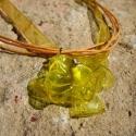 Sárga virág pet palackból készült újrahasznosított medál, Ékszer, Medál, Nyaklánc, Sárga pet palackból aprólékos munkával készített virág formájú medál sárga organza szalagon.  a virá..., Meska