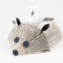 Könyvsün mindenféle papírok tartására való, sünformájú, újrahasznosított ajándék , Régi -szigorúan ponyvairodalmi vagy elavult tart...