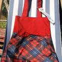 Piros és kockás női táska újrahasznosított esernyőből, Piros textilanyag és egy színes kockás esernyő...